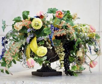 https://cf.ltkcdn.net/weddings/images/slide/106514-485x400-fallarrange13.jpg