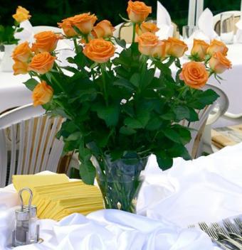 https://cf.ltkcdn.net/weddings/images/slide/106517-386x400-fallarrange15.jpg