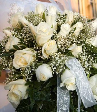 https://cf.ltkcdn.net/weddings/images/slide/106539-345x400-xbouquet13.jpg