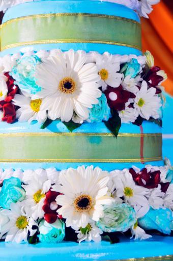 https://cf.ltkcdn.net/weddings/images/slide/106568-565x850-Amazingly-Bright-Wedding-Cake.jpg
