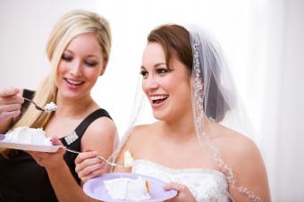 https://cf.ltkcdn.net/weddings/images/slide/106574-849x565-Amazing-Tasting-Wedding-Cake.jpg