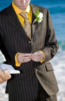 https://cf.ltkcdn.net/weddings/images/slide/106581-258x400-groom7.jpg
