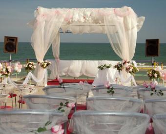 https://cf.ltkcdn.net/weddings/images/slide/106605-494x400-arch6.jpg