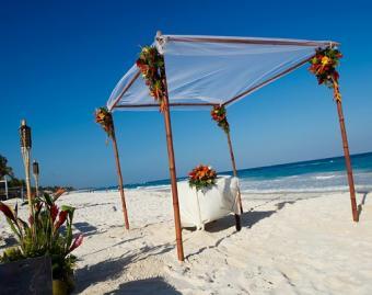 https://cf.ltkcdn.net/weddings/images/slide/106613-506x400-arch12.jpg