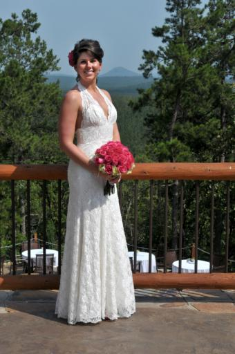 https://cf.ltkcdn.net/weddings/images/slide/106659-565x850-Lace_Dress.jpg