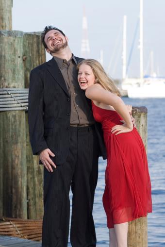 https://cf.ltkcdn.net/weddings/images/slide/106669-566x848-Couple_Laughing.jpg
