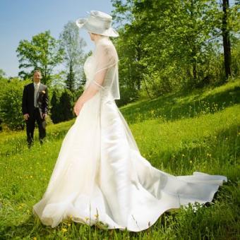 Spring Wedding Themes