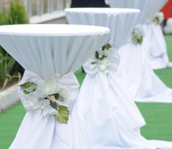 https://cf.ltkcdn.net/weddings/images/slide/106690-462x400-springtheme1.jpg