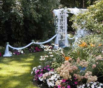 https://cf.ltkcdn.net/weddings/images/slide/106699-467x400-springtheme12.jpg