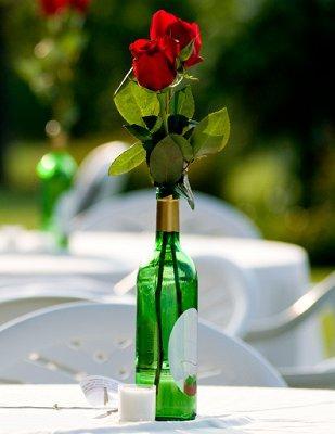 https://cf.ltkcdn.net/weddings/images/slide/106720-309x400-summercenter2.jpg