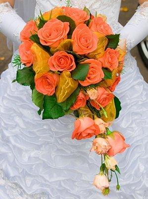 https://cf.ltkcdn.net/weddings/images/slide/106740-299x400-summerbouquet5.jpg