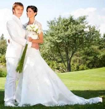 https://cf.ltkcdn.net/weddings/images/slide/106757-385x400-sumdress1.jpg