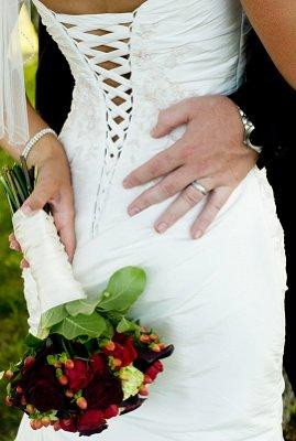 https://cf.ltkcdn.net/weddings/images/slide/106758-269x400-sumdress13.jpg