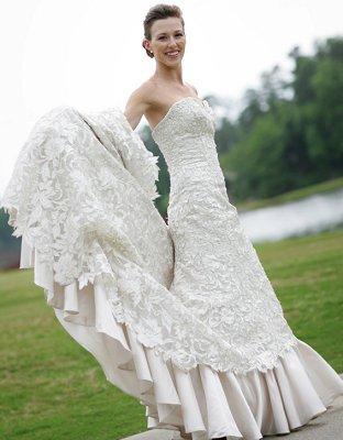 https://cf.ltkcdn.net/weddings/images/slide/106763-312x400-sumdress14.jpg