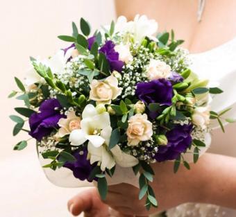 https://cf.ltkcdn.net/weddings/images/slide/106813-434x400-purple12.jpg