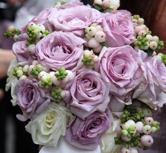 https://cf.ltkcdn.net/weddings/images/slide/106814-432x400-purple8.jpg