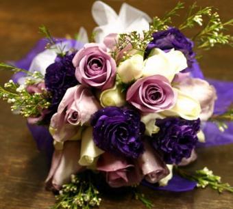https://cf.ltkcdn.net/weddings/images/slide/106816-445x400-purple7.jpg