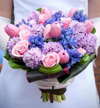 https://cf.ltkcdn.net/weddings/images/slide/106821-370x400-purple5.jpg