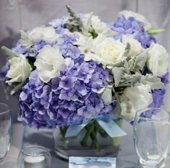 https://cf.ltkcdn.net/weddings/images/slide/106826-404x400-purple15.jpg