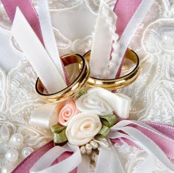 https://cf.ltkcdn.net/weddings/images/slide/106850-404x400-grgift7.jpg