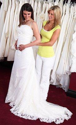 https://cf.ltkcdn.net/weddings/images/slide/106861-242x400-grgift11.jpg