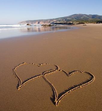 https://cf.ltkcdn.net/weddings/images/slide/106871-369x400-beachidea5.jpg