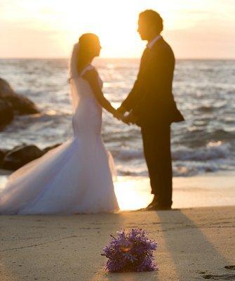 https://cf.ltkcdn.net/weddings/images/slide/106882-335x400-beachidea3.jpg