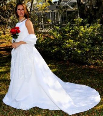 https://cf.ltkcdn.net/weddings/images/slide/106897-354x400-falldress17.jpg