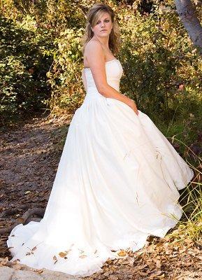 https://cf.ltkcdn.net/weddings/images/slide/106898-289x400-falldress14.jpg