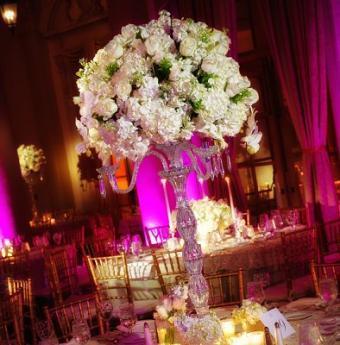 https://cf.ltkcdn.net/weddings/images/slide/106946-394x400-whiteflower10.jpg