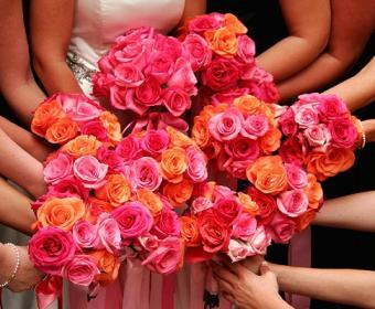 https://cf.ltkcdn.net/weddings/images/slide/106962-485x400-pinkbouquet4.jpg