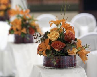 https://cf.ltkcdn.net/weddings/images/slide/106996-502x400-fallroses7.jpg