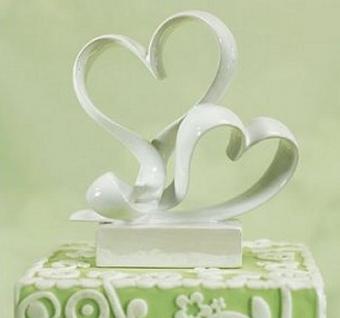 https://cf.ltkcdn.net/weddings/images/slide/107043-374x350-hearttop6.jpg