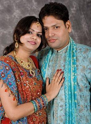 https://cf.ltkcdn.net/weddings/images/slide/107055-295x400-tuxgal6.jpg