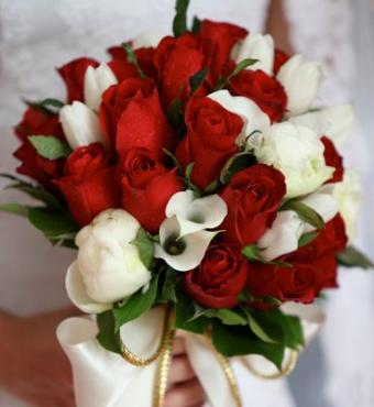 https://cf.ltkcdn.net/weddings/images/slide/125554-368x400-wwdeco6.jpg