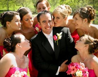 https://cf.ltkcdn.net/weddings/images/slide/138119-508x400-wedpose14.jpg