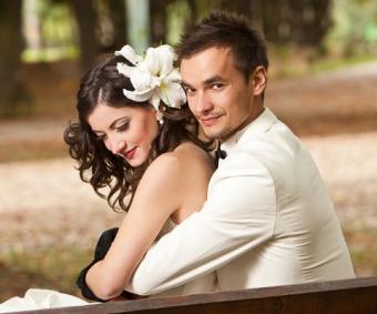 https://cf.ltkcdn.net/weddings/images/slide/138121-480x400-wedpose13.jpg