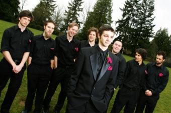 Creative Wedding Poses for Groomsmen