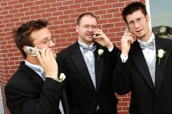 https://cf.ltkcdn.net/weddings/images/slide/139237-637x424r1-WithCellphones.jpg