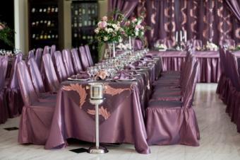 https://cf.ltkcdn.net/weddings/images/slide/145322-637x424r1-PurpleFabric4.jpg