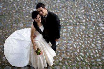 https://cf.ltkcdn.net/weddings/images/slide/148443-600x401-4.jpg