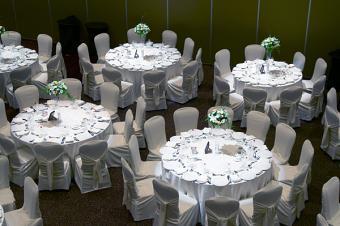 https://cf.ltkcdn.net/weddings/images/slide/149014-600x399-Table-Lighting.jpg