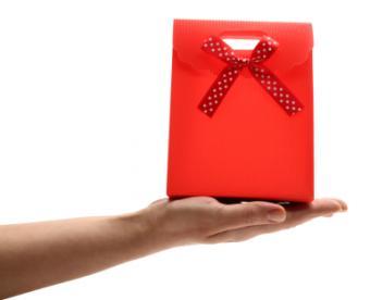 red favor bag