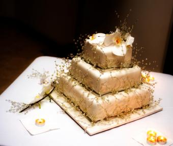gold cake with branches