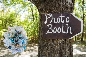 https://cf.ltkcdn.net/weddings/images/slide/169006-600x399-photo-booth.jpg