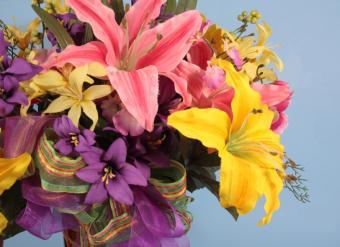 Silk lily bouquet