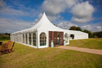 https://cf.ltkcdn.net/weddings/images/slide/169209-849x565-canopy.jpg