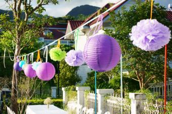 https://cf.ltkcdn.net/weddings/images/slide/169210-850x565-lanterns.jpg