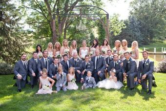 https://cf.ltkcdn.net/weddings/images/slide/172978-850x567-Jessica-Fike-Alyssa%26DJ_Wedding.jpg