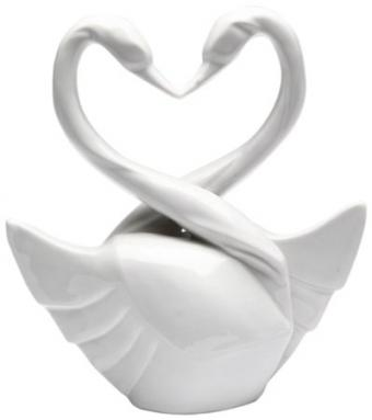 https://cf.ltkcdn.net/weddings/images/slide/174968-399x450-swan-hearts.jpg